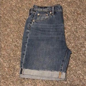 New Bermuda by Gap size 25
